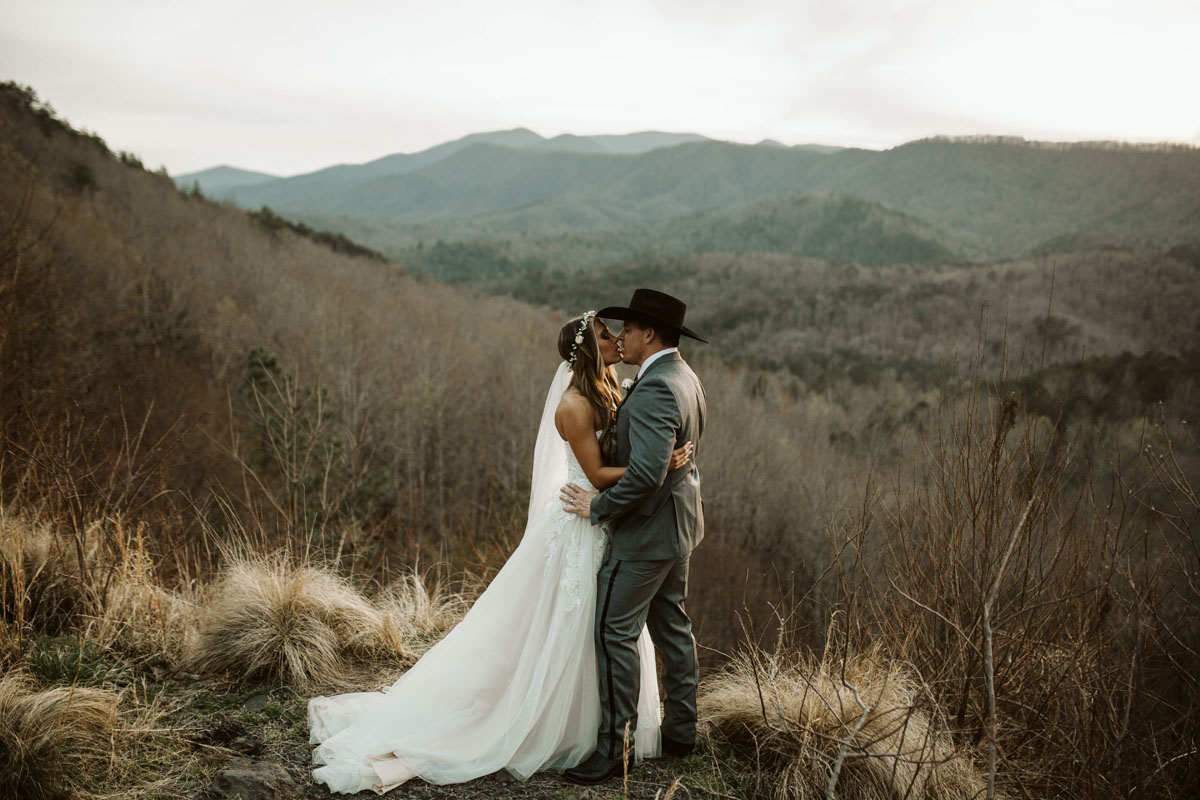 intimate-elopment-blue-ridge-georgia-north-georgia-wedding-photographers (73).jpg