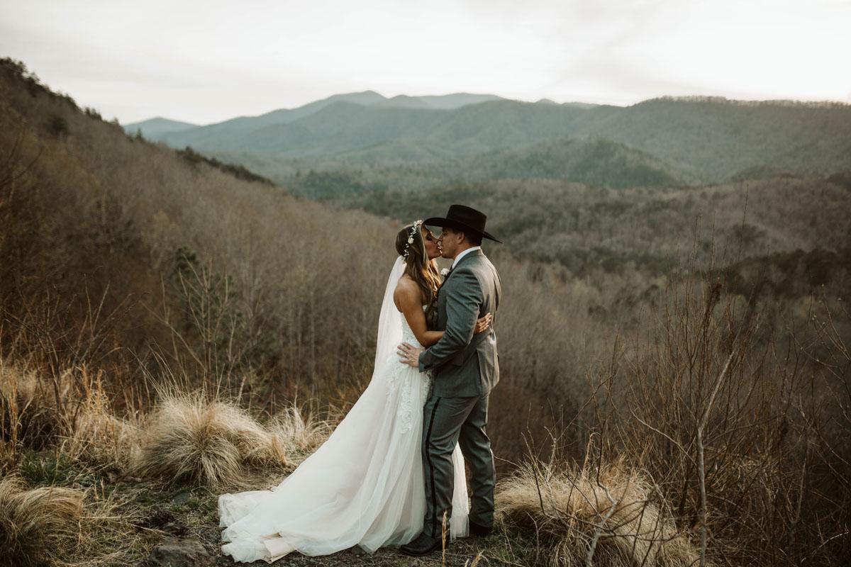 intimate-elopment-blue-ridge-georgia-north-georgia-wedding-photographers (73).jpg