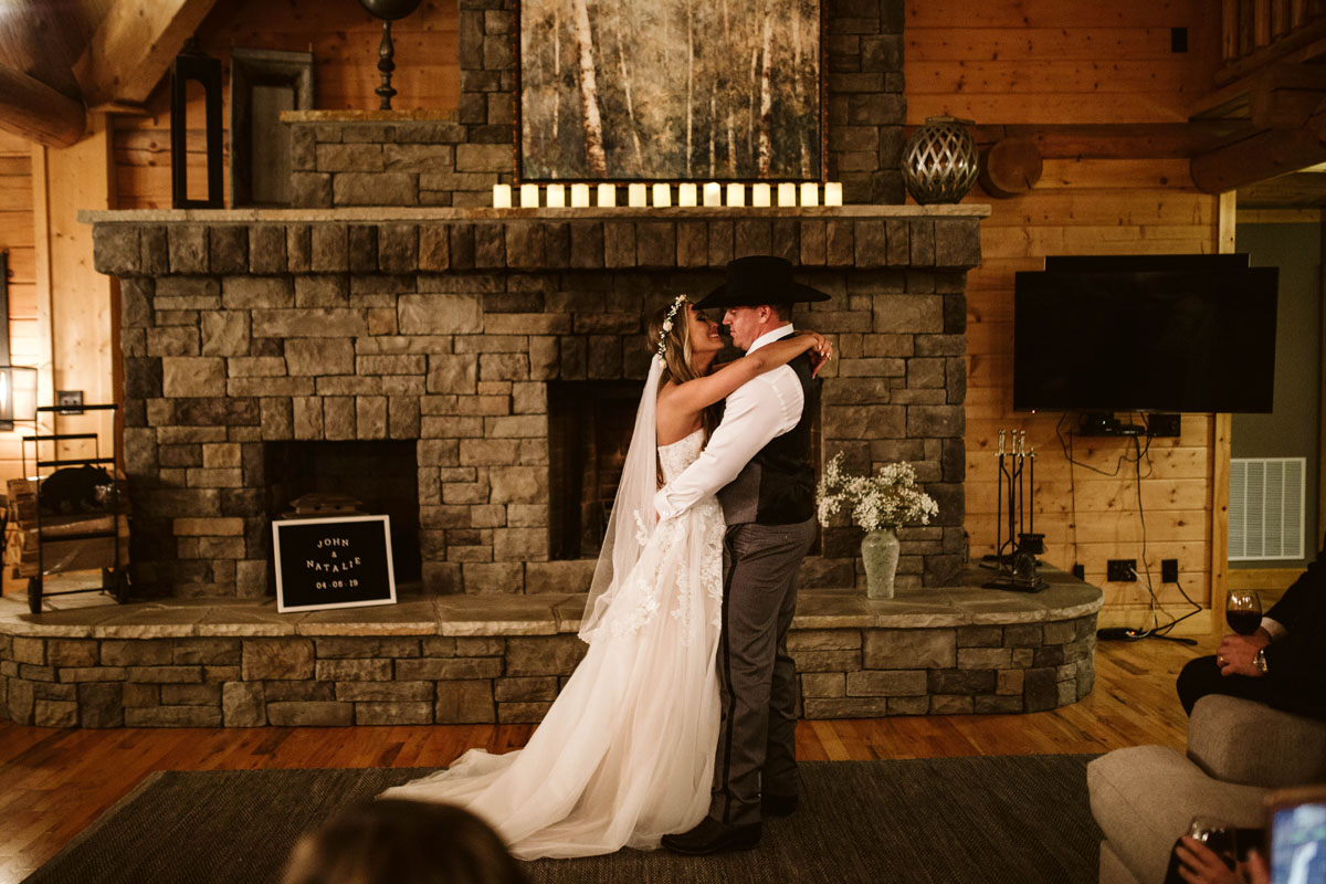 intimate-elopment-blue-ridge-georgia-north-georgia-wedding-photographers (80).jpg