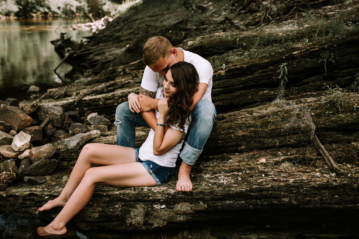 Intimate-couple-river-session-valdosta-wedding-photographers (1).jpg