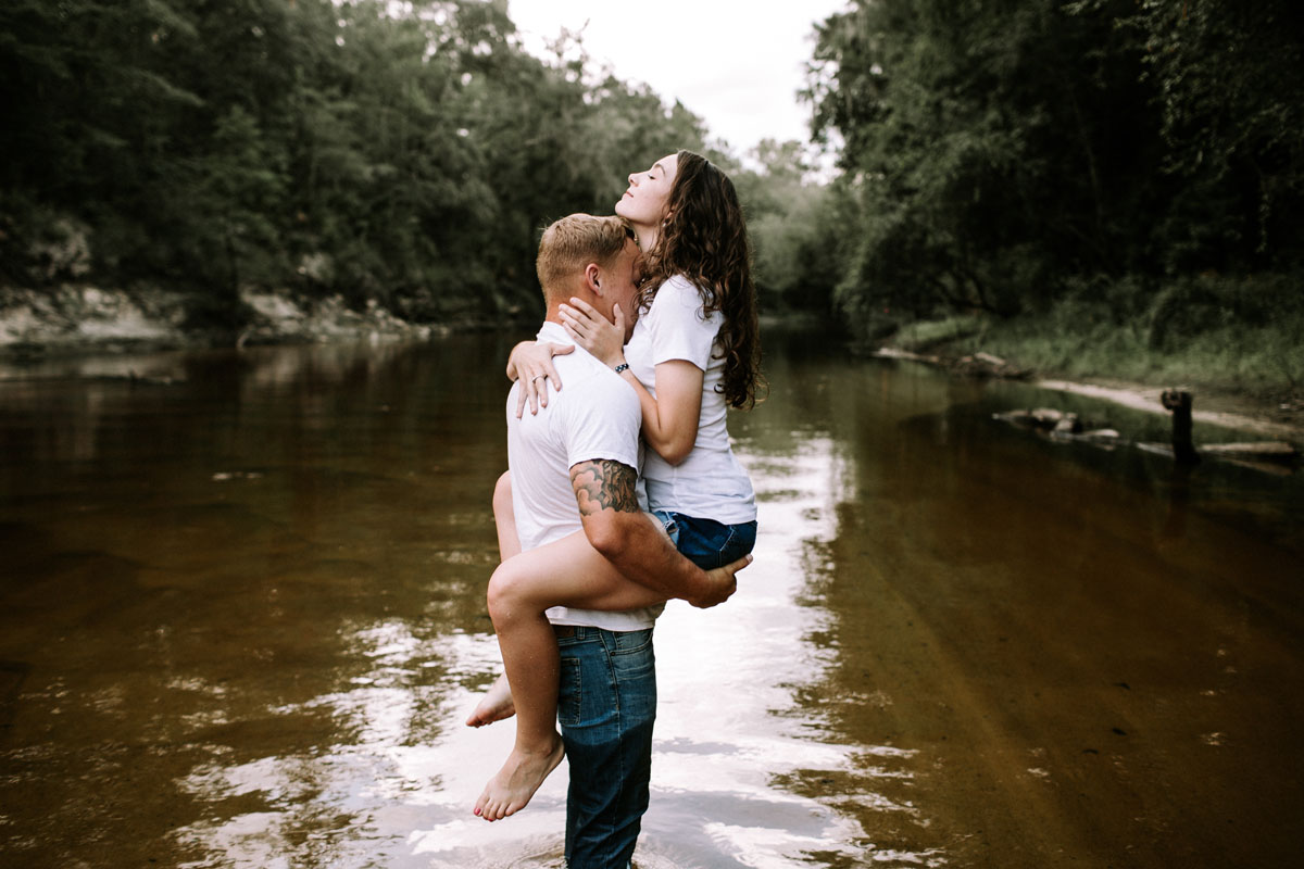 Intimate-couple-river-session-valdosta-wedding-photographers (17).jpg