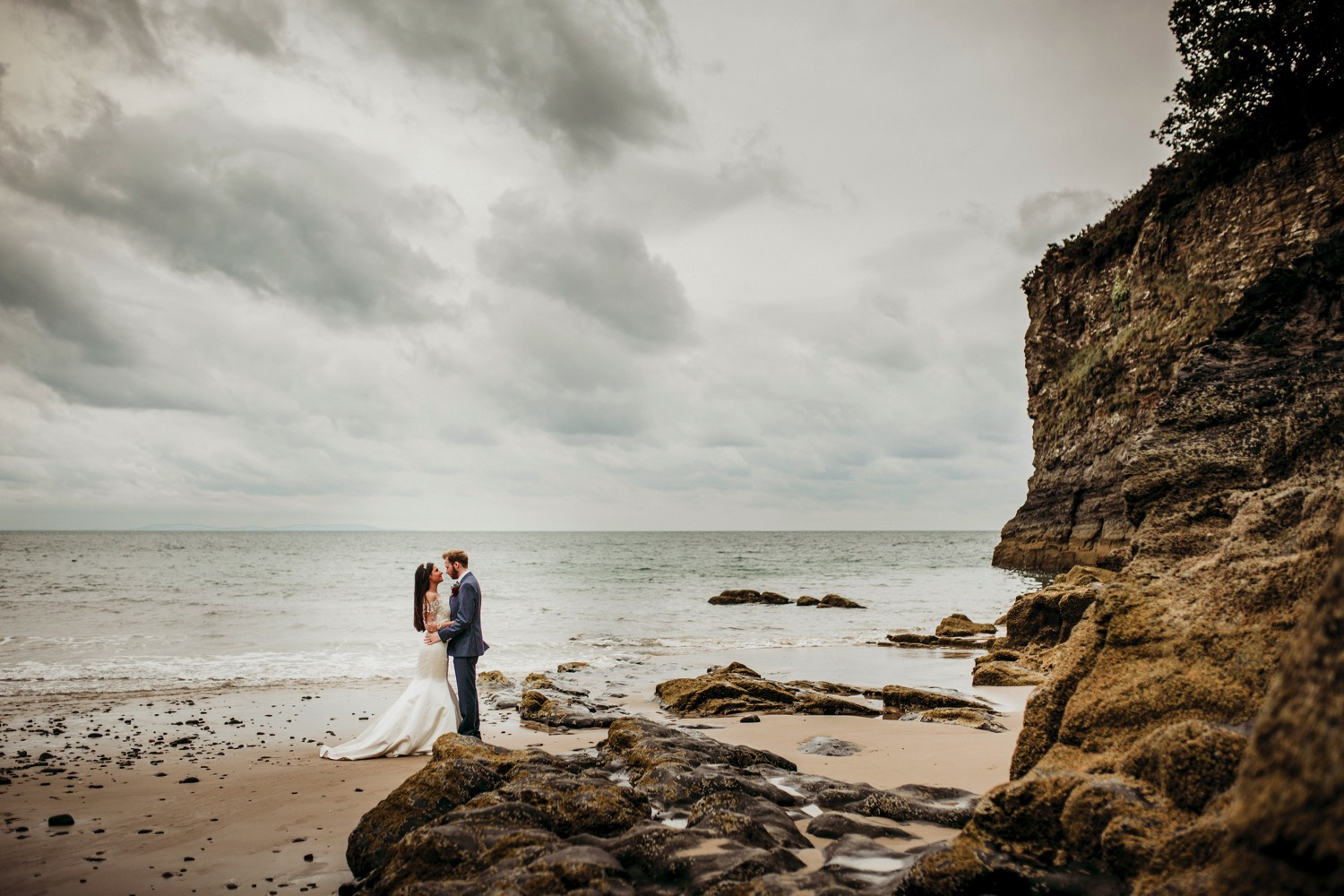Waterwynch House wedding Tenby KA49.jpg