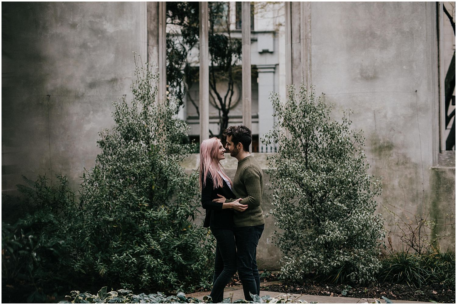 St Dunstan In the East engagement shoot_0004.jpg