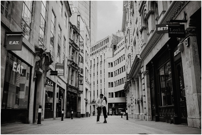 Leadenhall Market London engagement shoot13.jpg