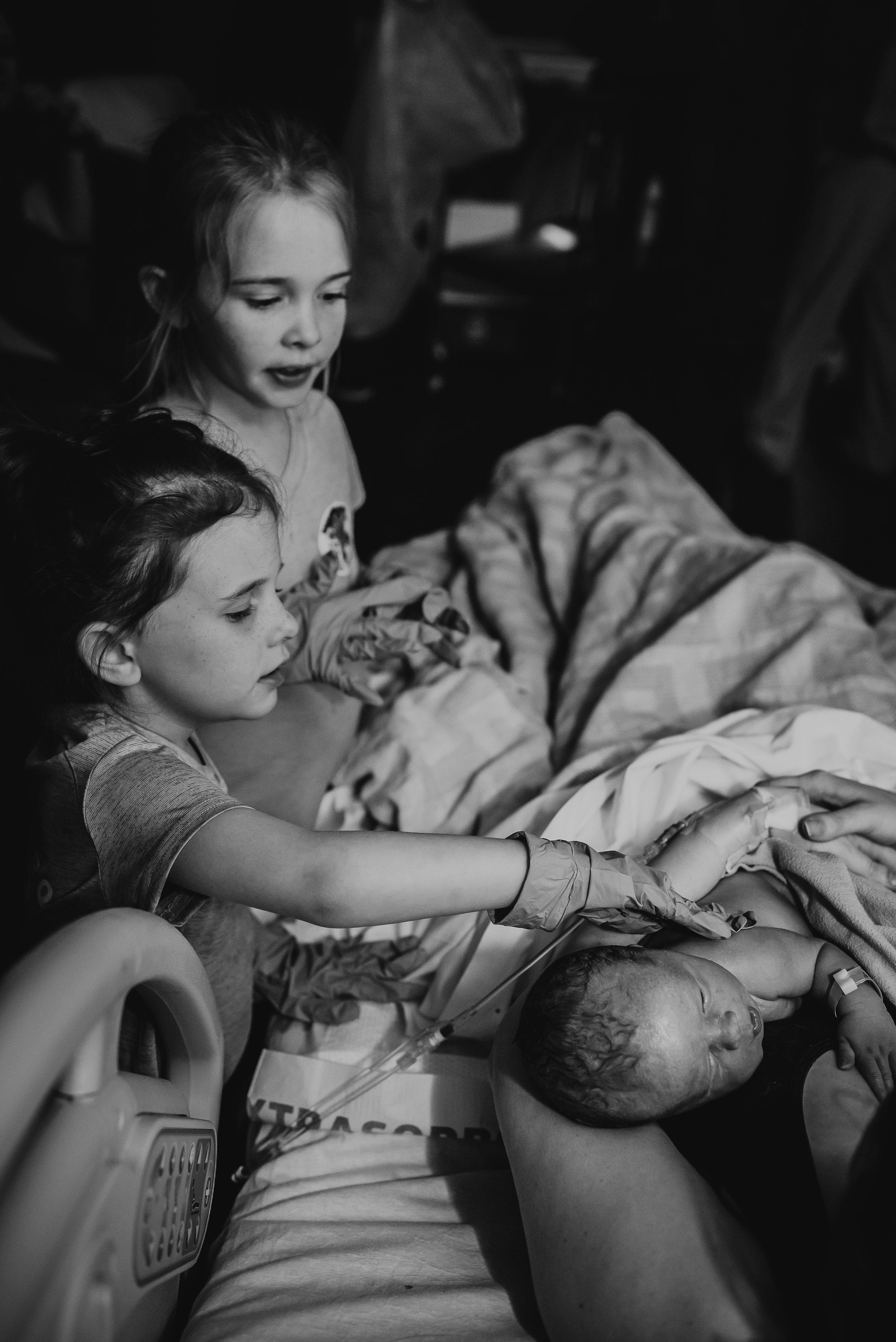 birth photography new orleans birth photographer covington la mandeville la Norhthore nola baton rouge stph lakeview louisiana birth with ICP cholestasis in pregnancy 36 weeks