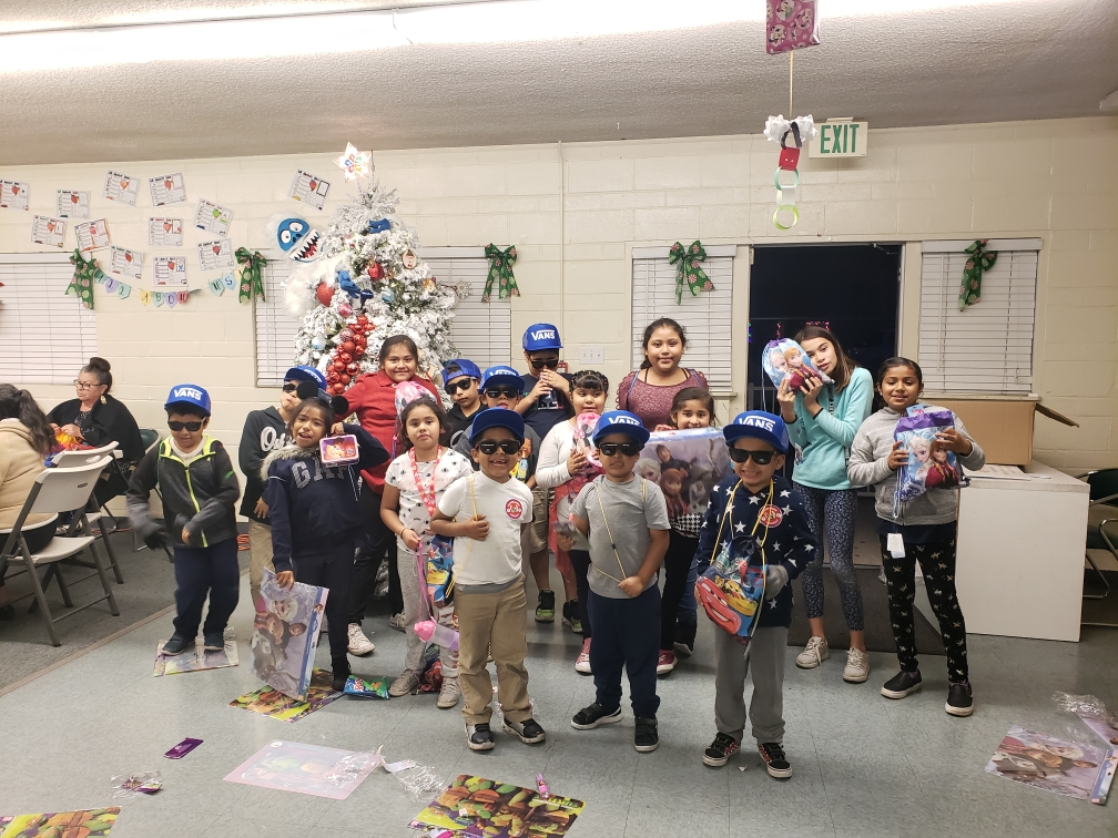 Oceanside Lifeline Christmas - December 2018We were able to give gifts to our kids at Lifeline through donations from Vans and community partners.