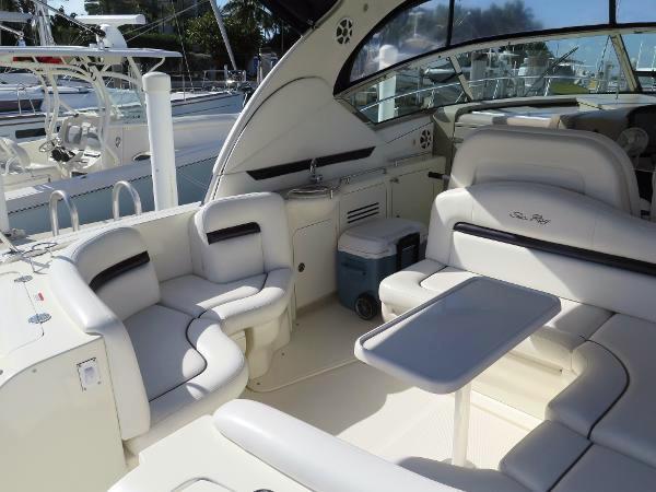 coast-yacht-charter-searay-380-sundancer-6.jpg