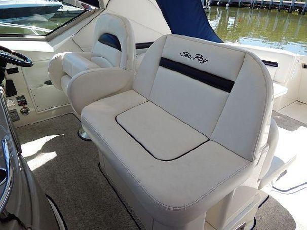 coast-yacht-charter-searay-380-sundancer-7.jpg