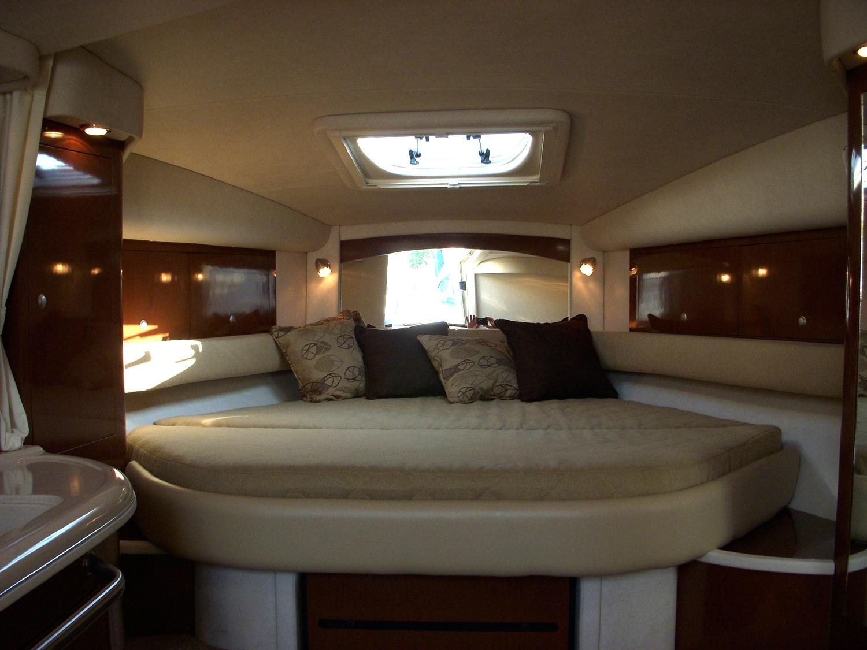 coast-yacht-charter-searay-340-sundancer-11.jpg