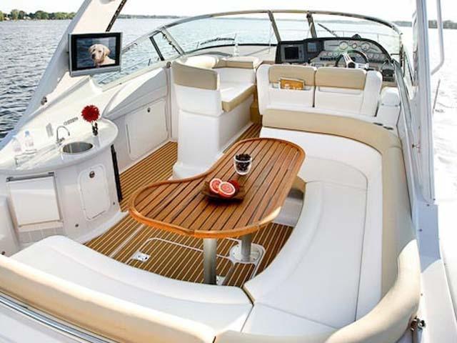 coast-yacht-charter-fourwinns-v378-vista-5.jpg
