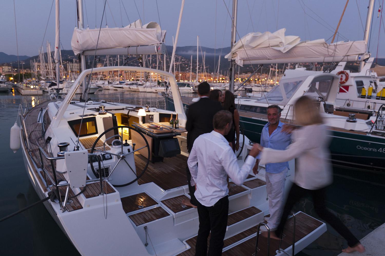 coast-yacht-charter-beneteau-oceanis-45-5.jpg