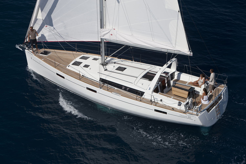 coast-yacht-charter-beneteau-oceanis-45-9.jpg