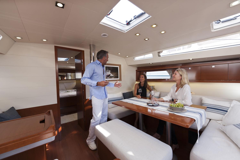 coast-yacht-charter-beneteau-oceanis-45-10.jpg