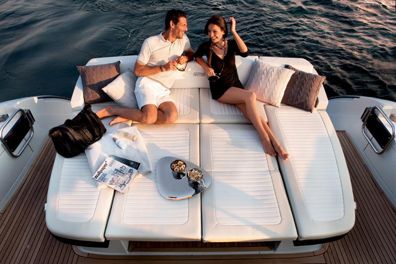 coast-yacht-charter-membership-fractional-lease-share-boat-club-62-azimut-16.jpg