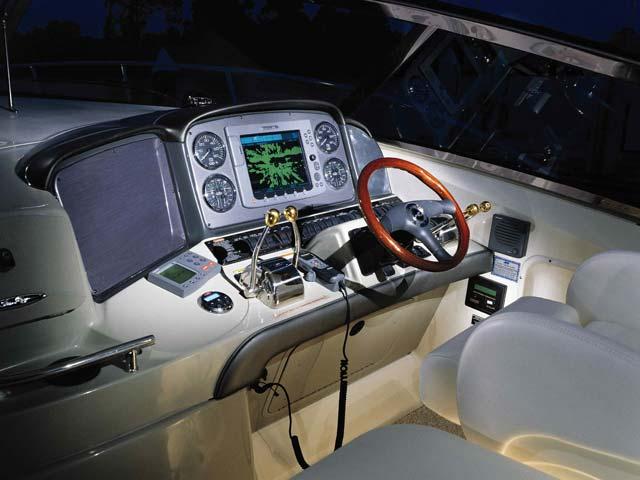 coast-yacht-charter-searay-380-sundancer-11.jpg