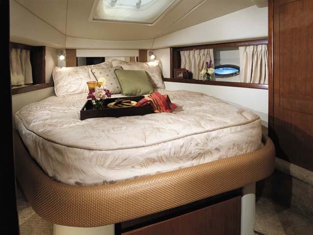 coast-yacht-charter-searay-380-sundancer-14.jpg