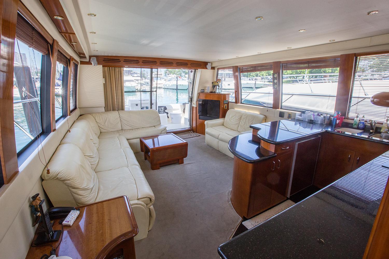 carver-570-coast-yacht-charter-5.jpg