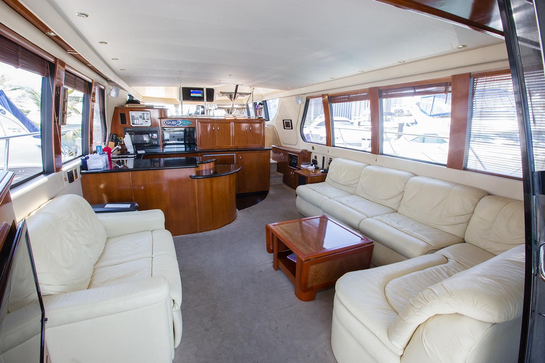 carver-570-coast-yacht-charter-7.jpg