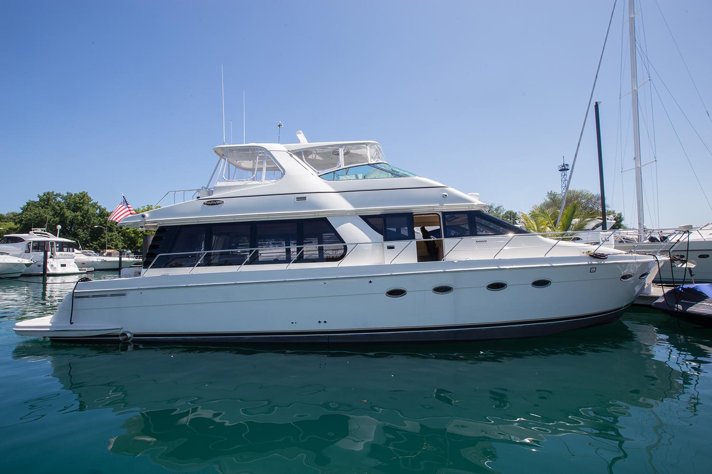 carver-570-coast-yacht-charter-10.jpg