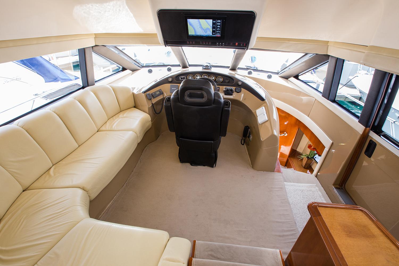 carver-570-coast-yacht-charter-12.jpg