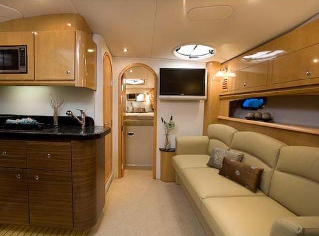 coast-yacht-charter-fourwinns-v378-vista-4.jpg