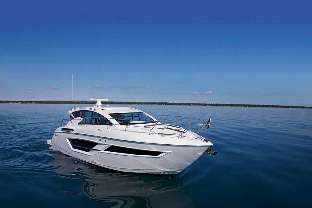 Coast-Yachts-Cruisers-Cantius-46-yacht-charter04.jpg