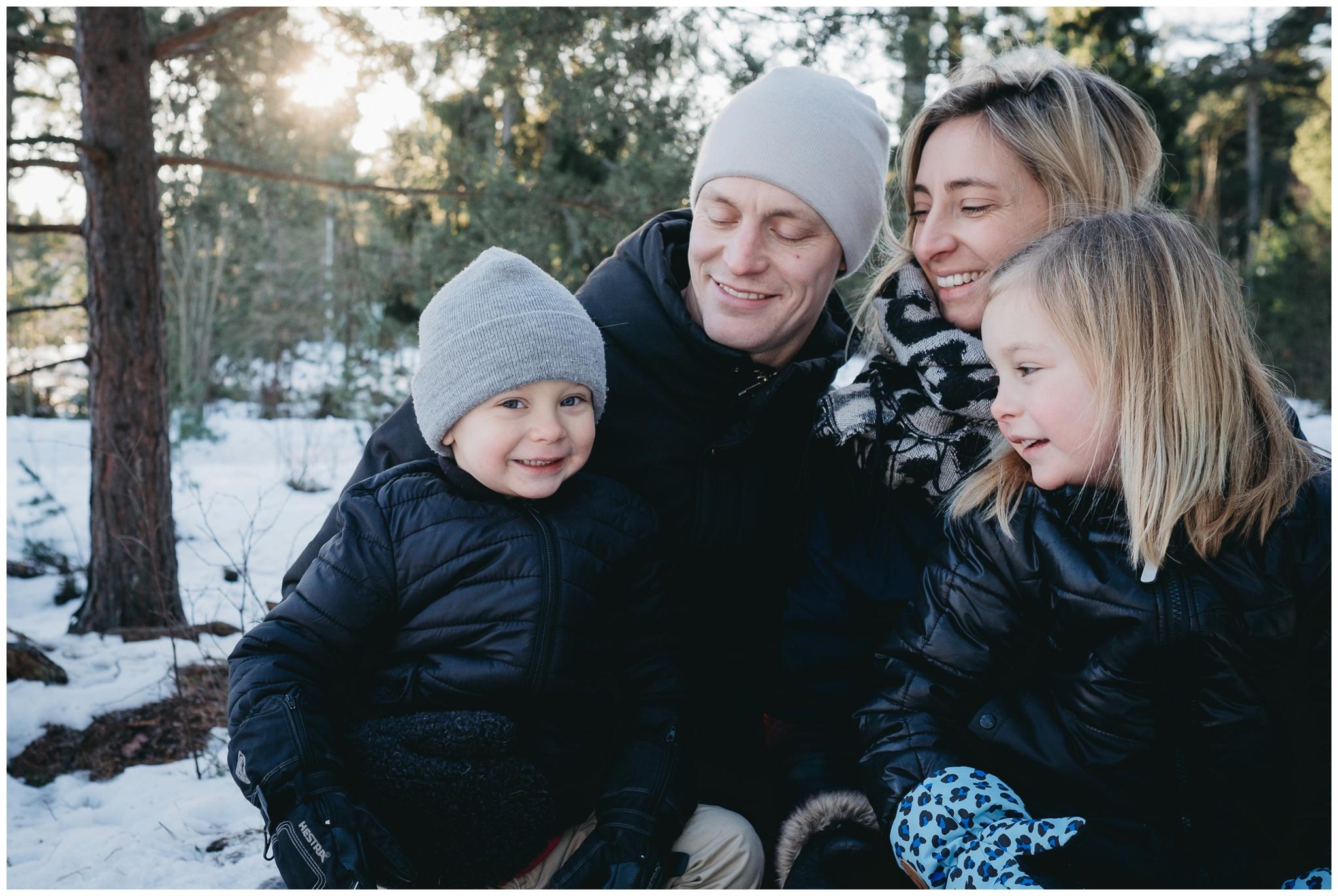 familjefotograf-stockholm-vallentuna-cecilia-pihl-linda-rehlin-24.jpg