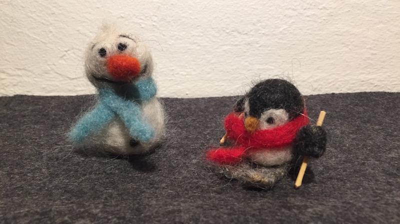Snögubben Olof & Pingvin på skidor