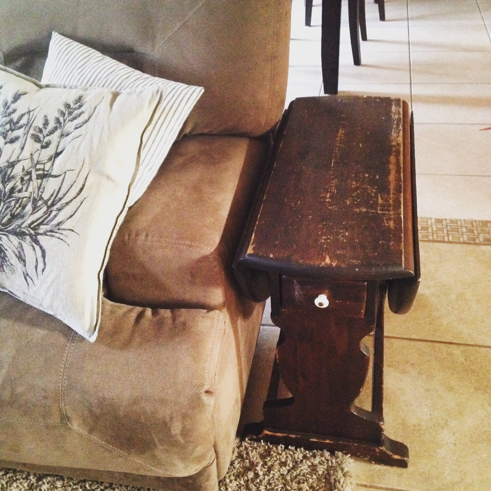 Ethan-Allen-end-table-before