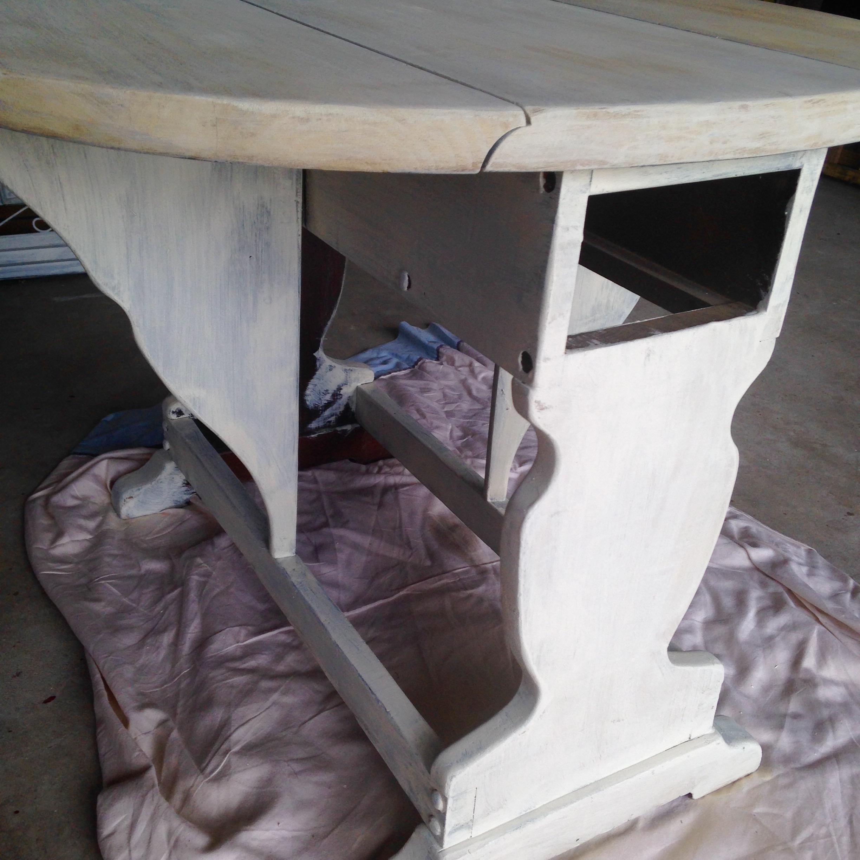 chippy-milk-paint-end-table