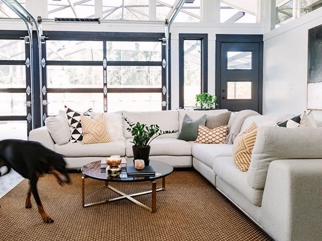 I'm in Savannah this week and it's been super gloomy. Dreaming of sunnier days and Florida rooms as pretty as this one! Featuring my favorite dog model 😏 📷: @sarahjoellephotography #studiogaspo #belleislefloridaroom #renovation #orlandoremodel #beforeandafter #currenthomeview #cljsquad #smmakelifebeautiful #apartmenttherapy #theeverygirlathome #homesweethome #interiordesign #interiorstyling #orlandointeriordesign #dobermansofinstagram #indooroutdoorliving