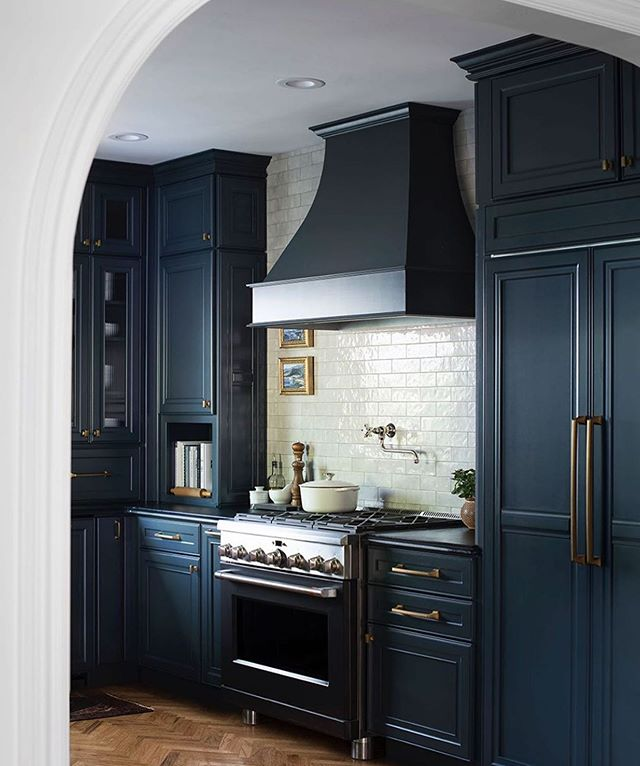 Do you guys follow @roomfortuesday ?! Everything she does is perfection, and her kitchen in her new house is no exception. LOVE the moody cabinet color, the backsplash, the soapstone counters... 🤤Way to knock it out of the park Sarah! 📷& design : @roomfortuesday #kitchendesign #lowes #kitcheninspo #moodyinteriors