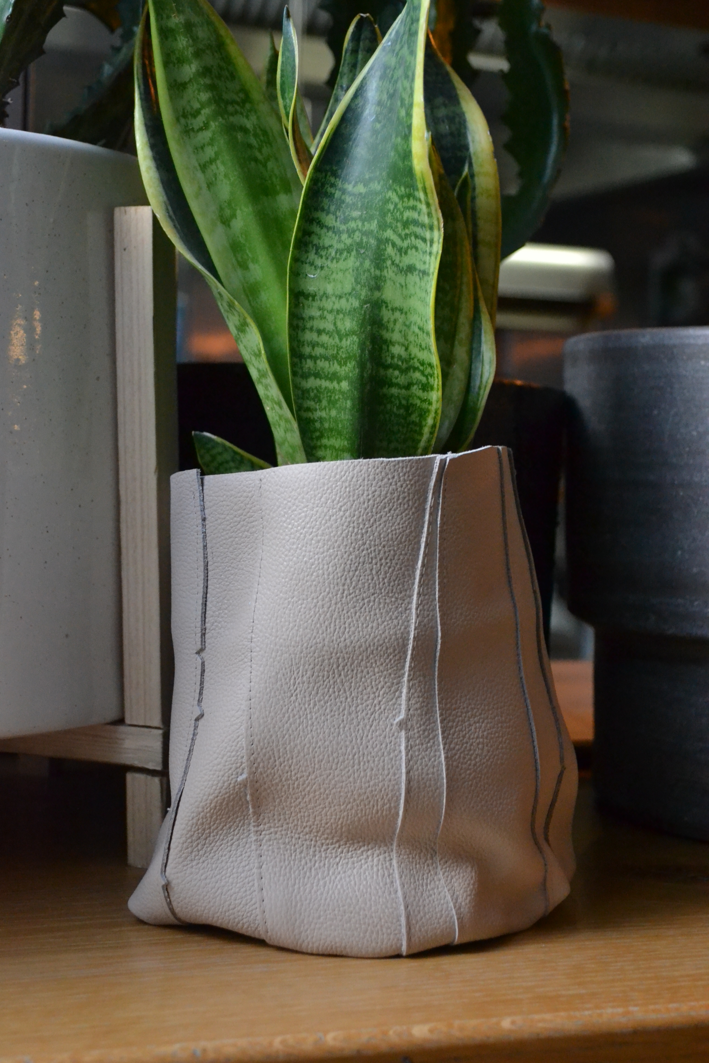 leather_plant_pot