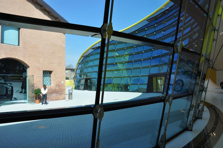 Maseratti-Museum-Clamp-Detail.jpg