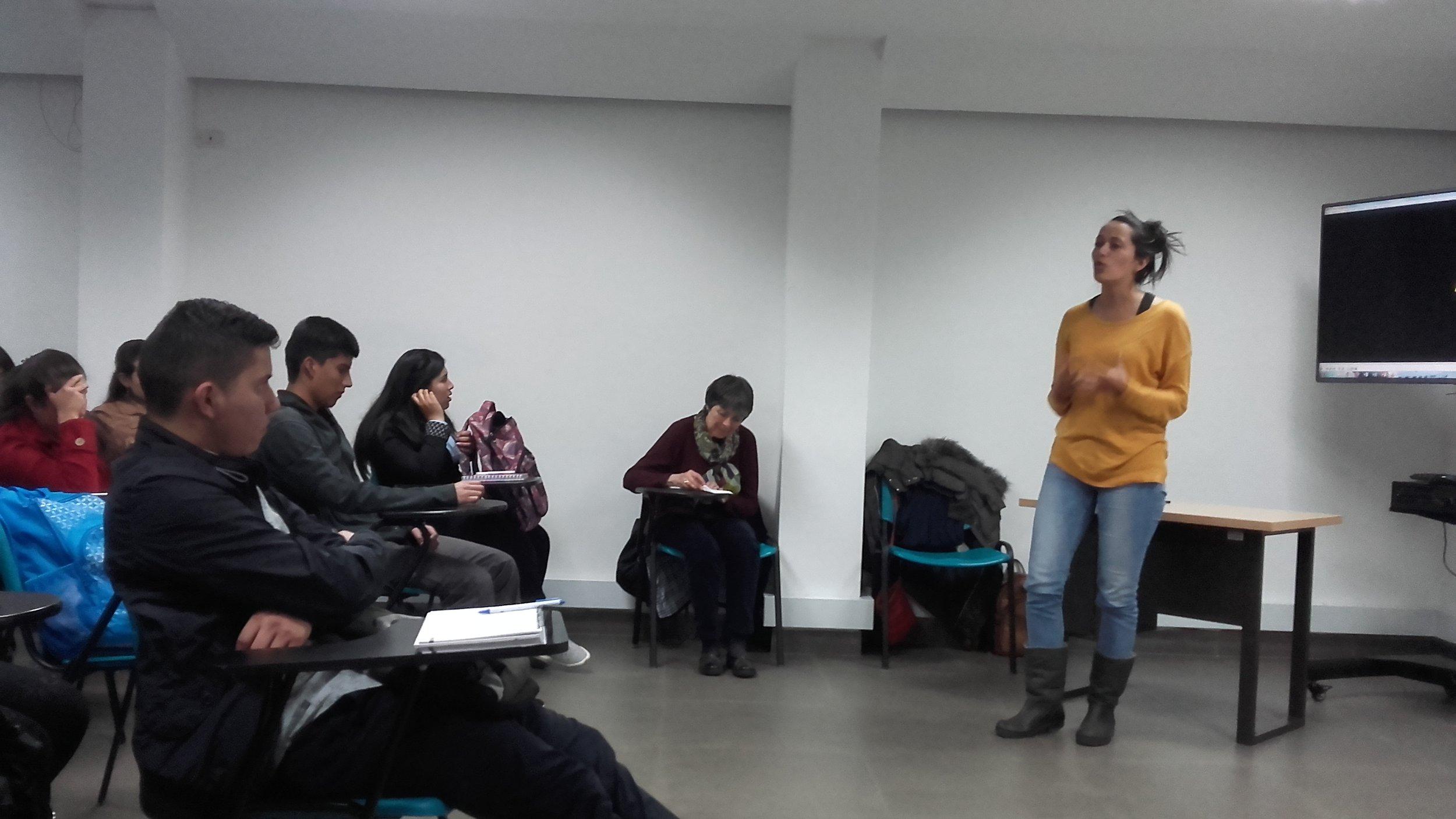 160818-ProyeccionKarenRed-Universidad-AreaAndina20160818_205900[1] 2.jpg