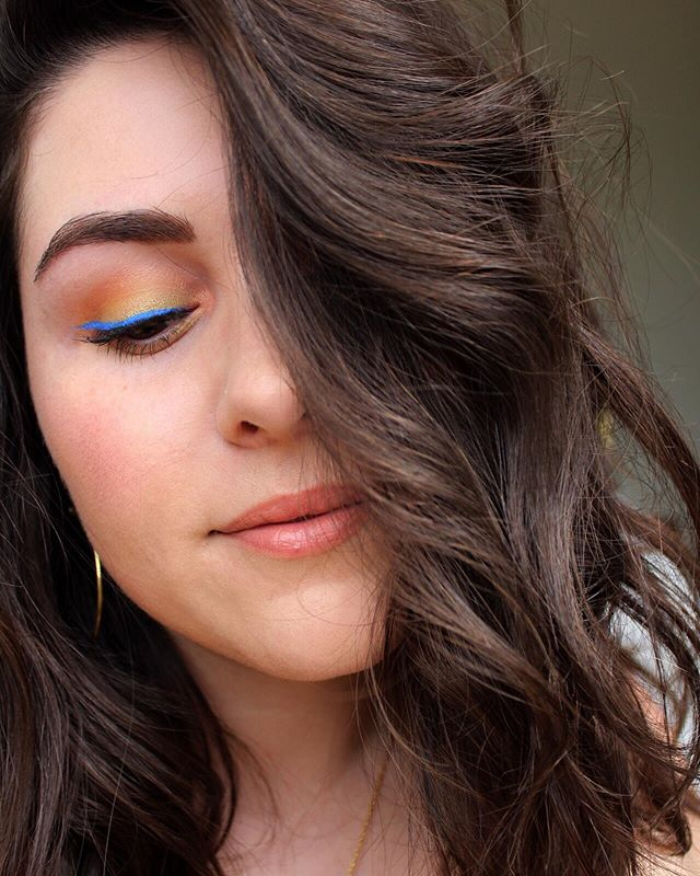 Colorful eyeliner might become a big part of my summer makeup look 🦋