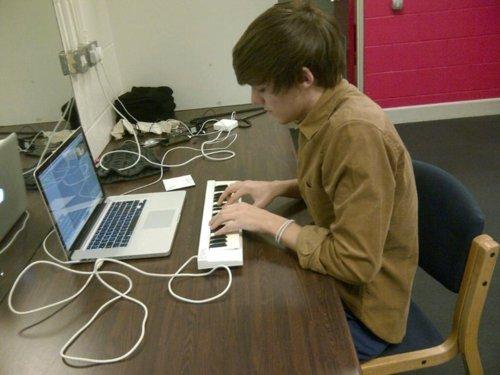 louis making music 2.jpg