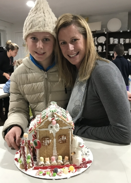 gingerbread house 3.jpg