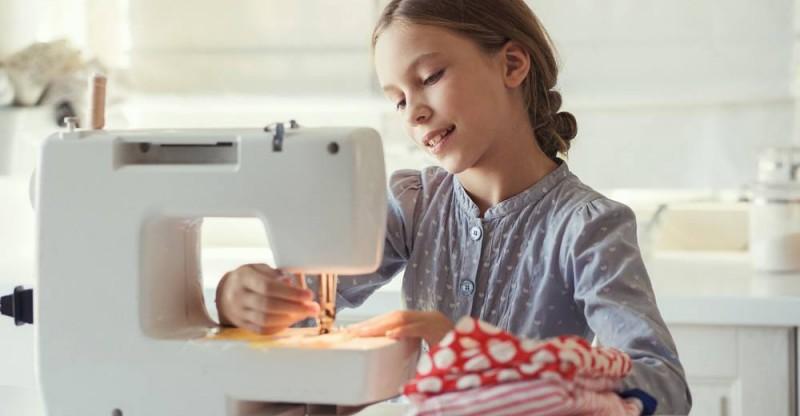 sewing kids.jpg
