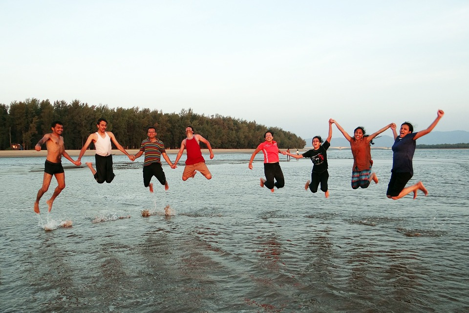 Beach-Jumping-Youngsters-Happy-People-Frolic-Happy-249242.jpg