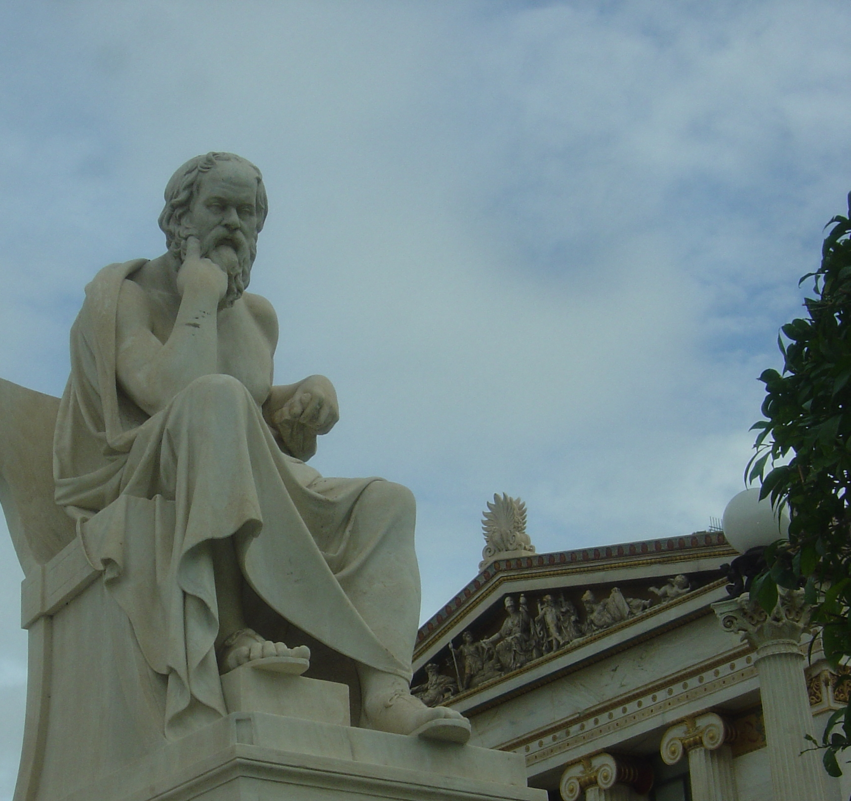 Socrates_by_Leonidas_Drosis,_Athens_-_Academy_of_Athens-corte.JPG
