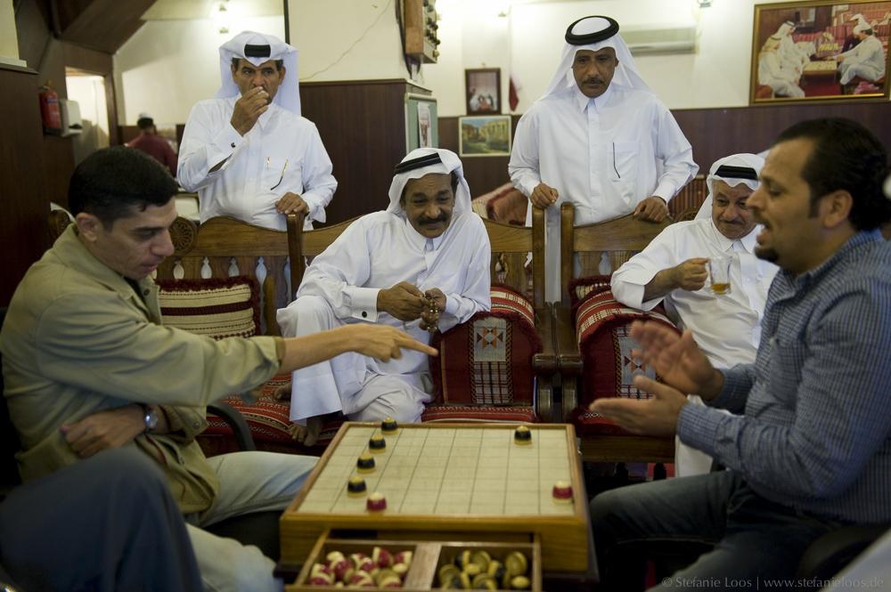 Männer im Teehaus während der Klimakonfernz