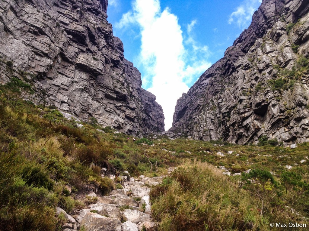 The pass up to the top of Table Mountain.