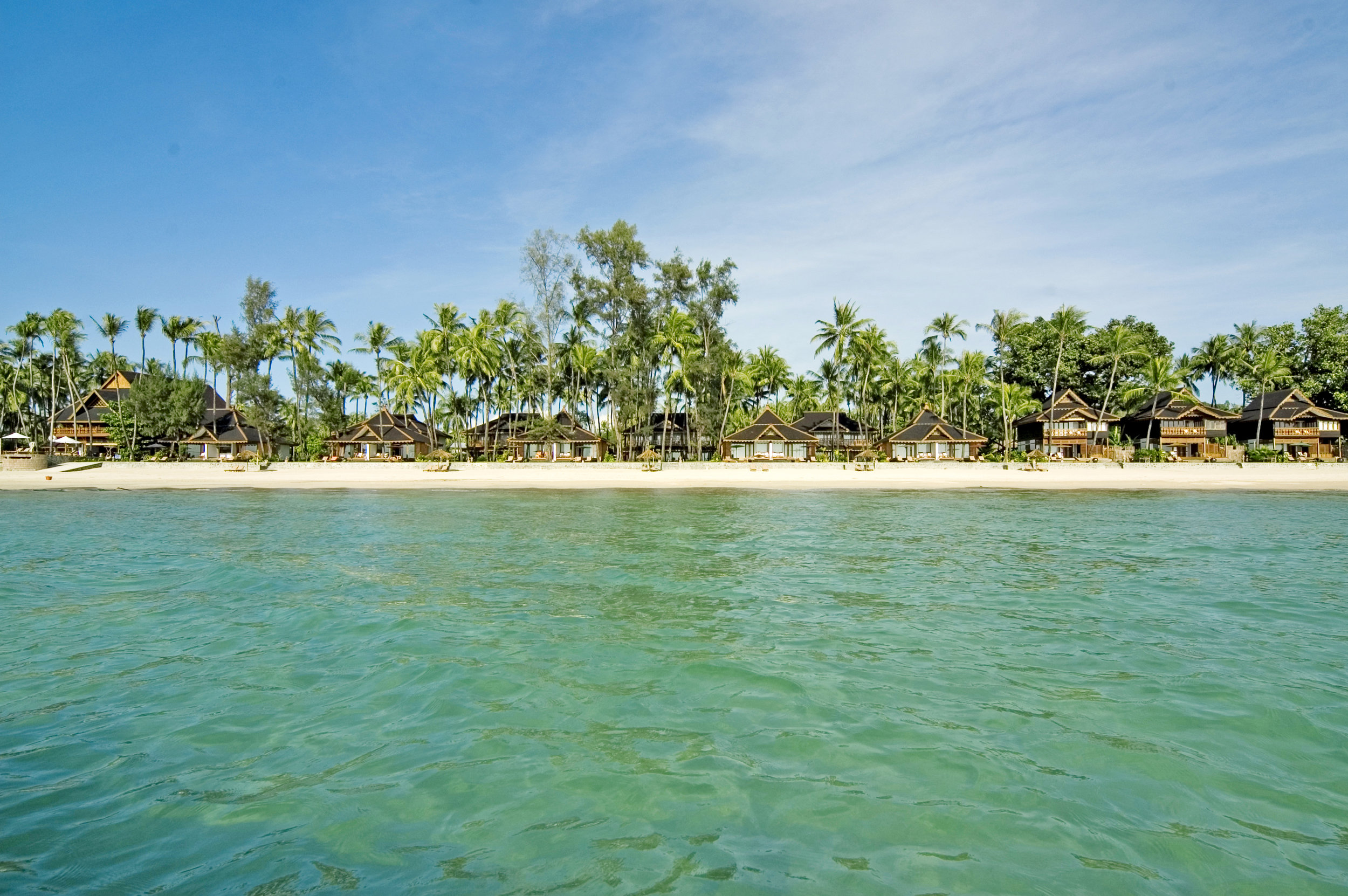 ngapali - Sitting on the clear waters of the Bay of Bengal, Ngapali is a sleepy resort town populated by local fishermen and rustic bungalows along its palm-fringed beaches.