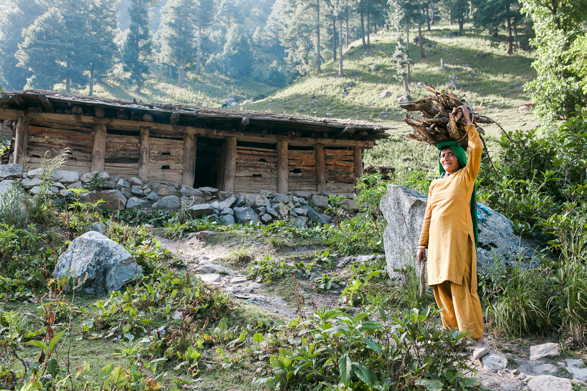 Pahalgam - A hill-station in the Lidder Valley, Pahalgam is often transited by the nomadic Gujjar-Bakarwals, known for their traditional cattle-herding lifestyle and colourful crafts.