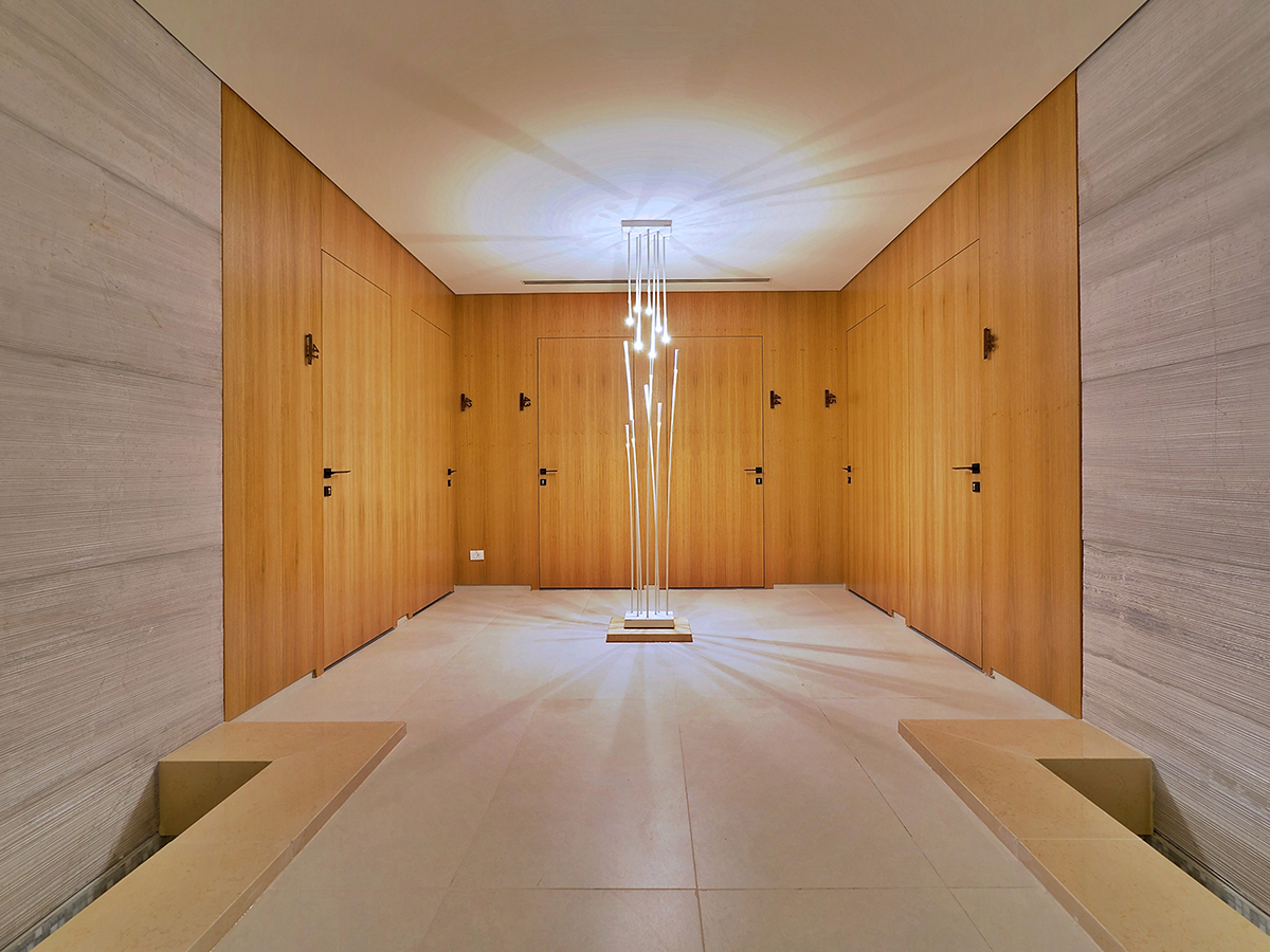 SPA CORRIDOR_TREATMENT ROOMS 02.jpg