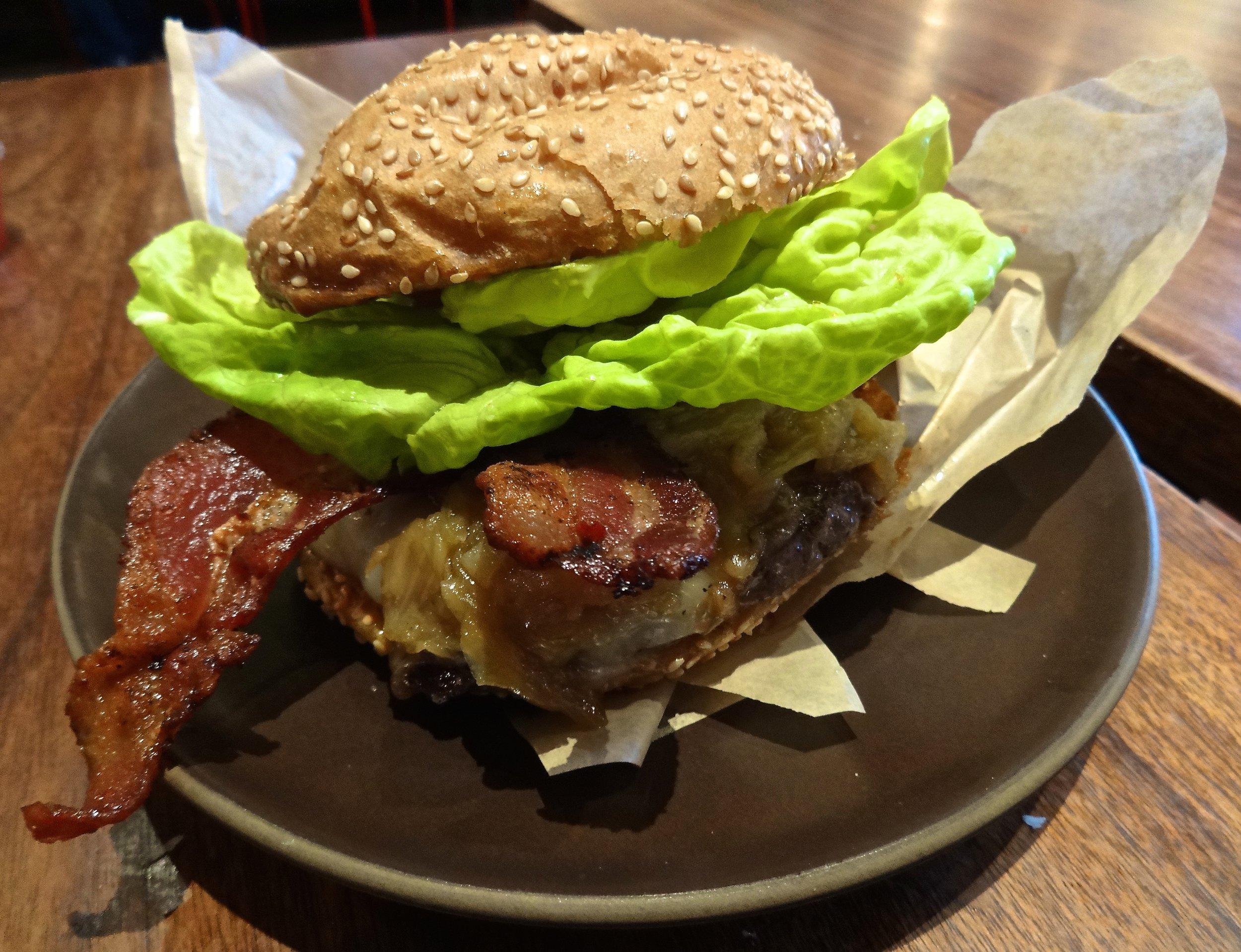 Roam's bacon cheeseburger
