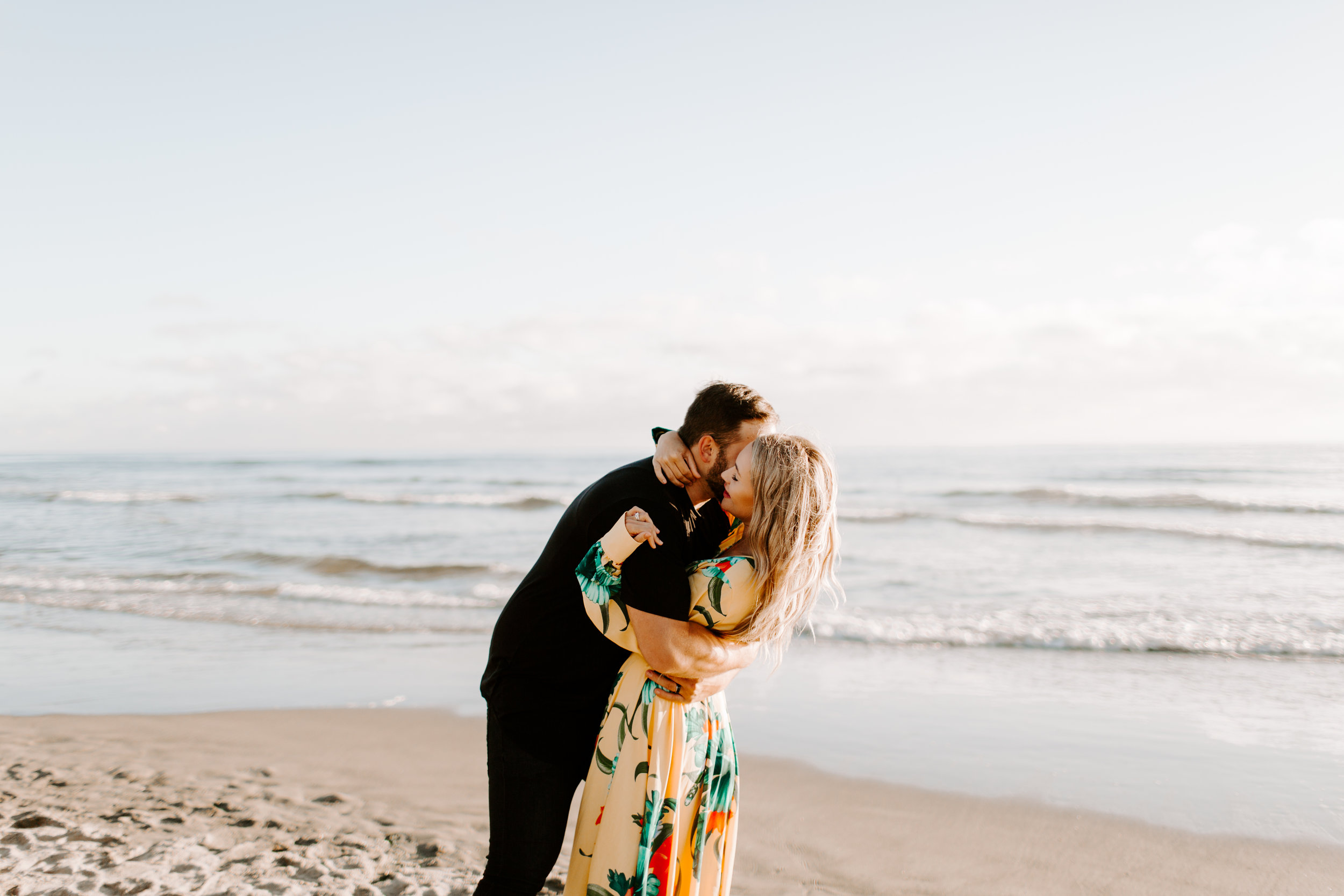 MADISONRYLEE_HANNAH+DAKOTA_CANNONBEACH_OREGONEngagement_0013.jpg