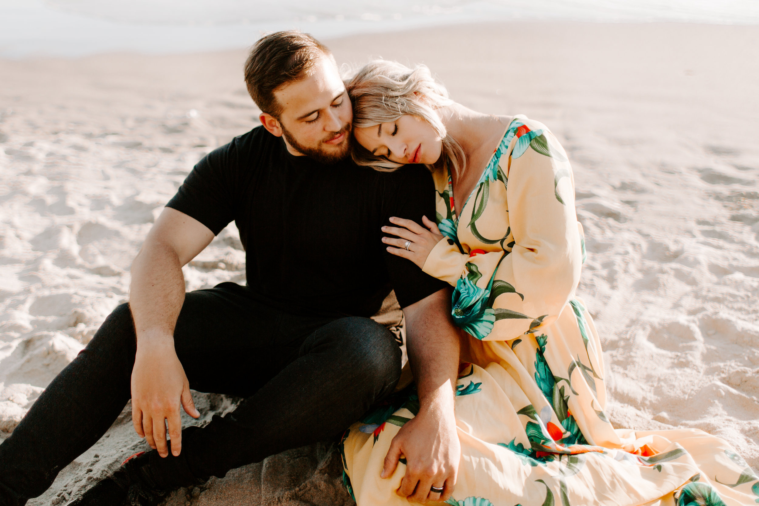MADISONRYLEE_HANNAH+DAKOTA_CANNONBEACH_OREGONEngagement_0020.jpg