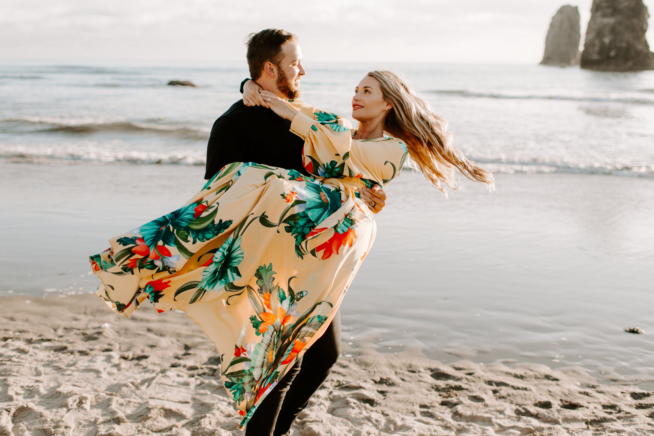 MADISONRYLEE_HANNAH+DAKOTA_CANNONBEACH_OREGONEngagement_0021.jpg